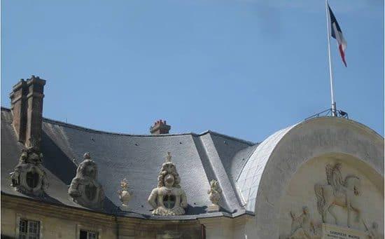 You are currently viewing Restauration de charpente et création de chenaux cintrés (Hôtel des invalides Paris)